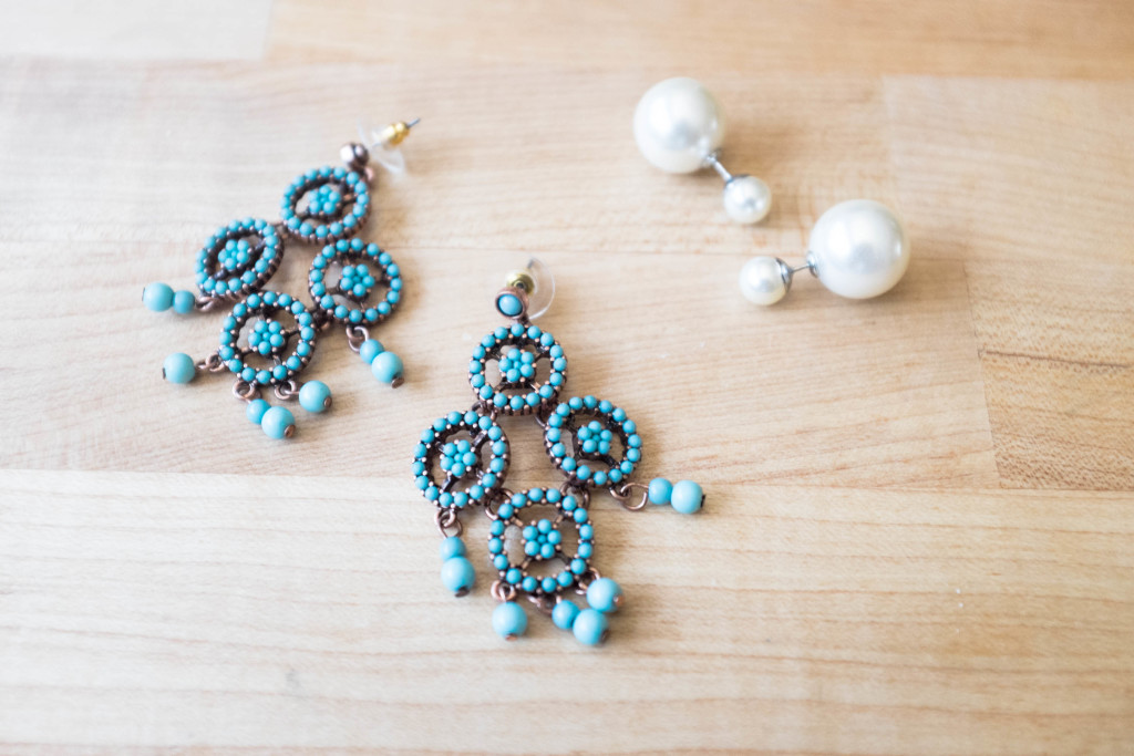 5 secrets to spicing up a small wardrobe- earrings