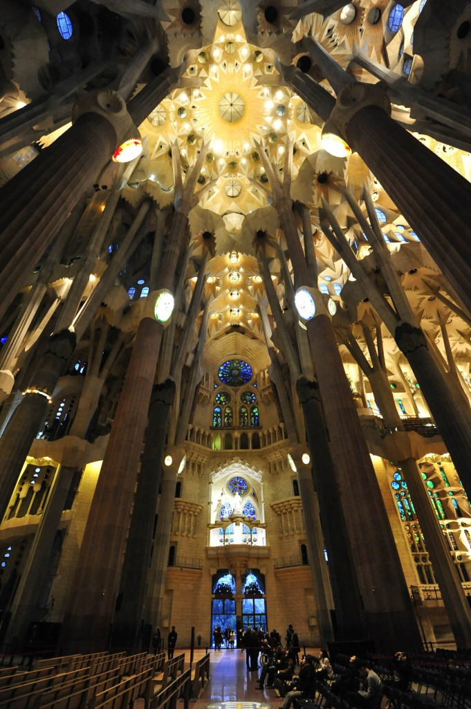 Sagrada familia interior 2