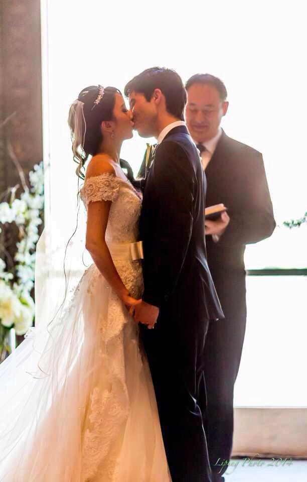 altar kiss