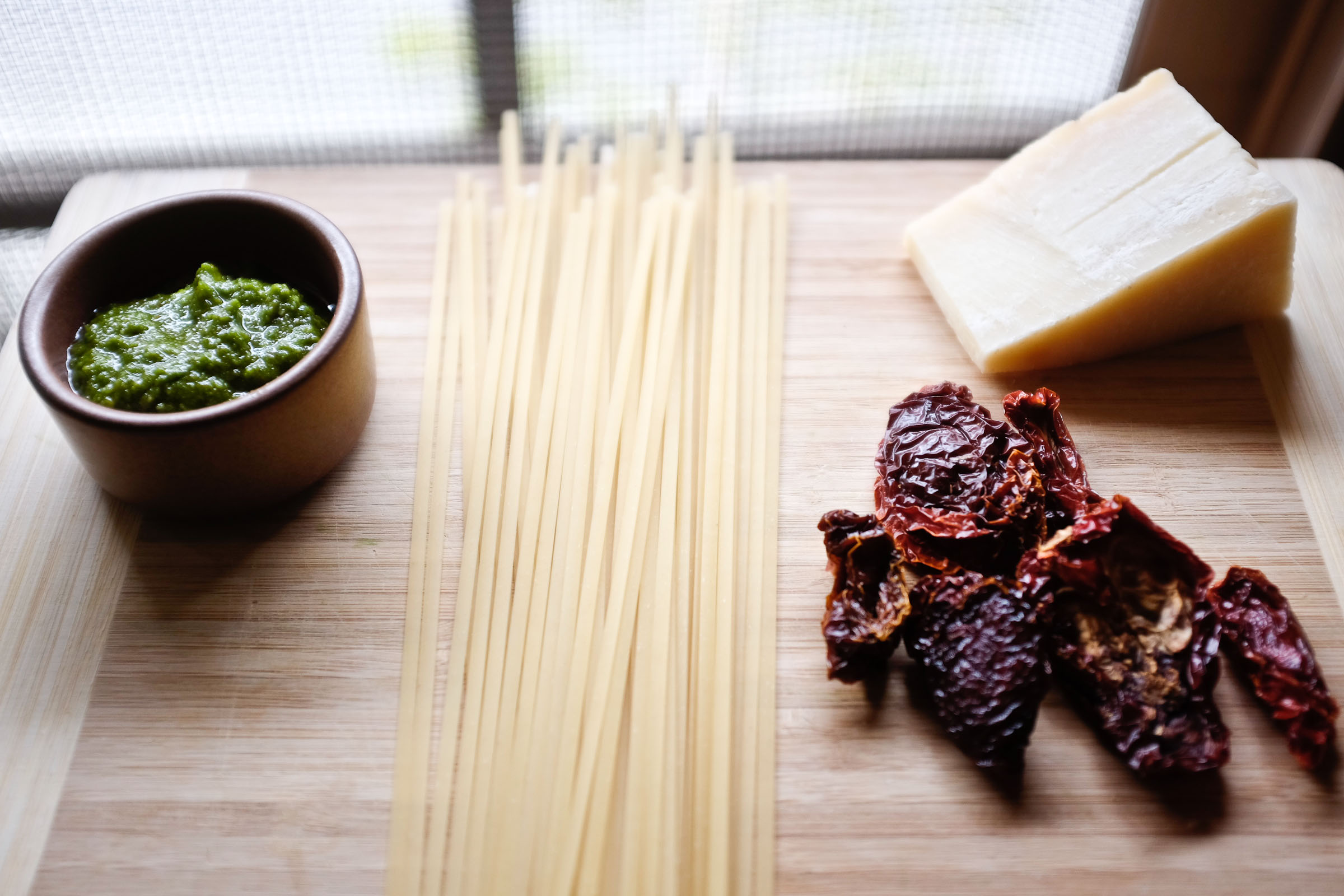 Linguine with Almond-Kale Pesto
