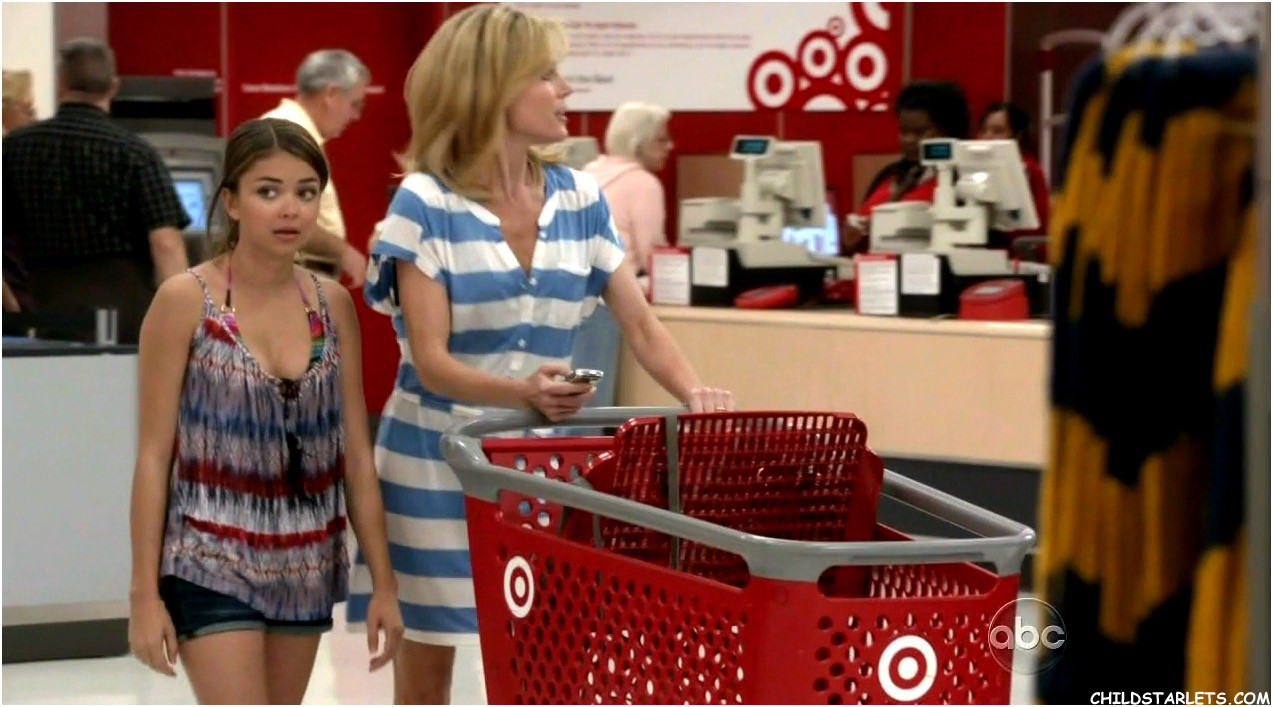 Claire a Haley taking on Express Christmas shopping in Season 3.
