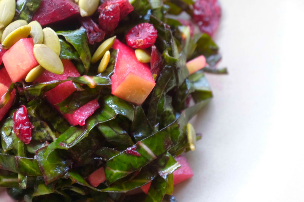 Collard greens salad with beets and apples