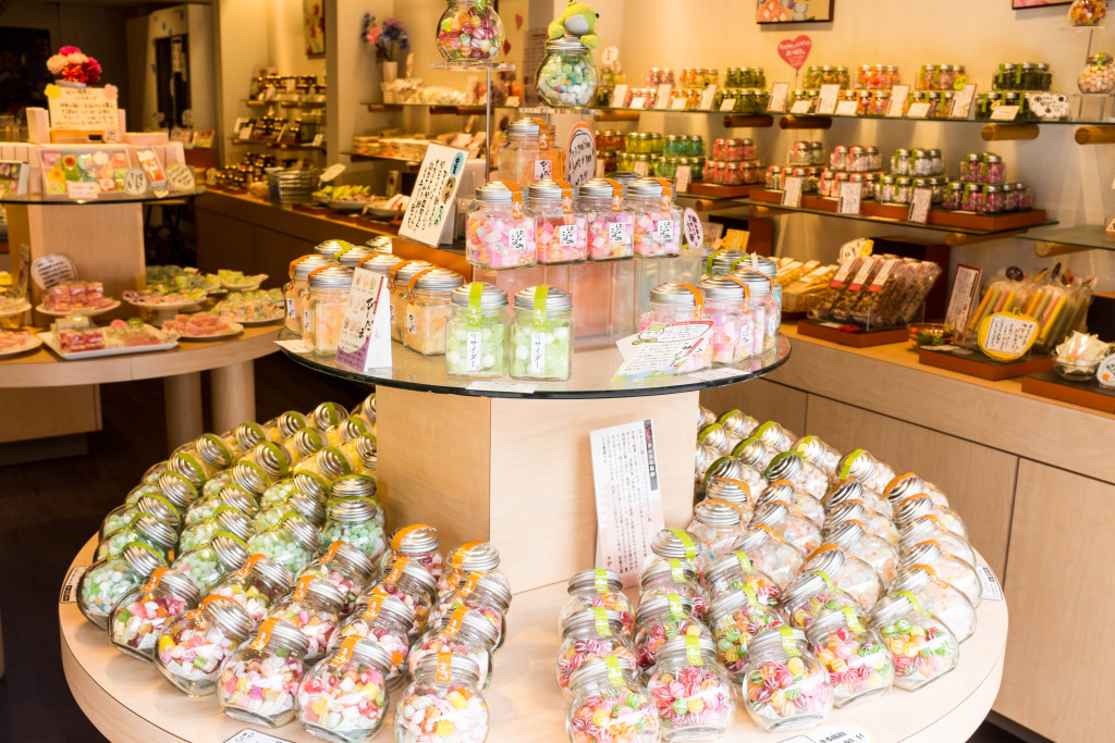 candy shop near kiyomizu-dera temple