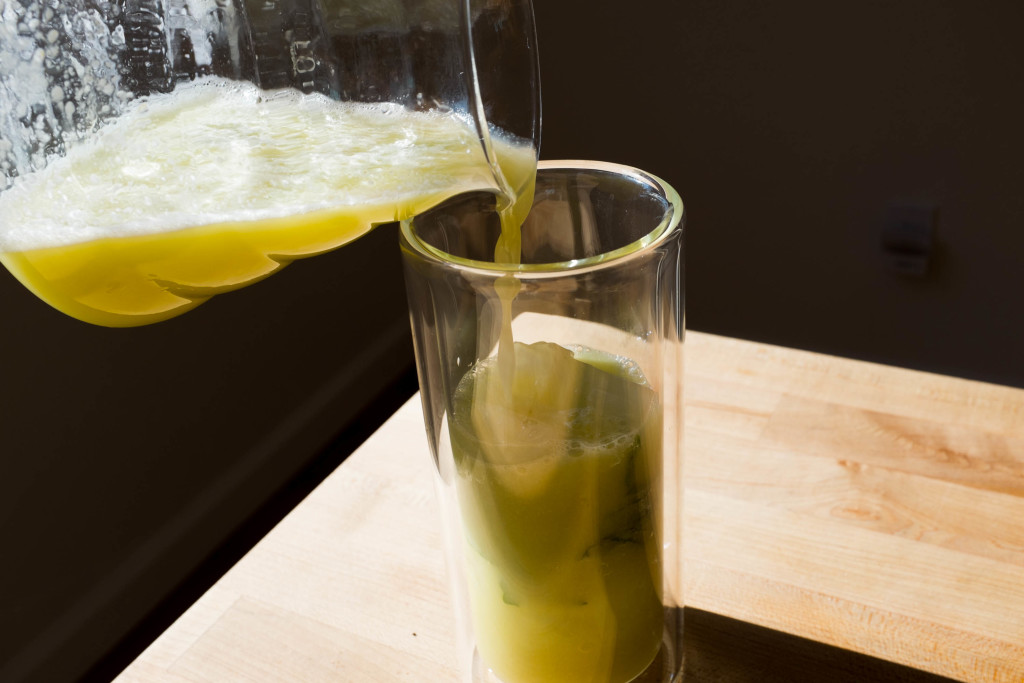 Effortless No-Squeeze Lemonade pour