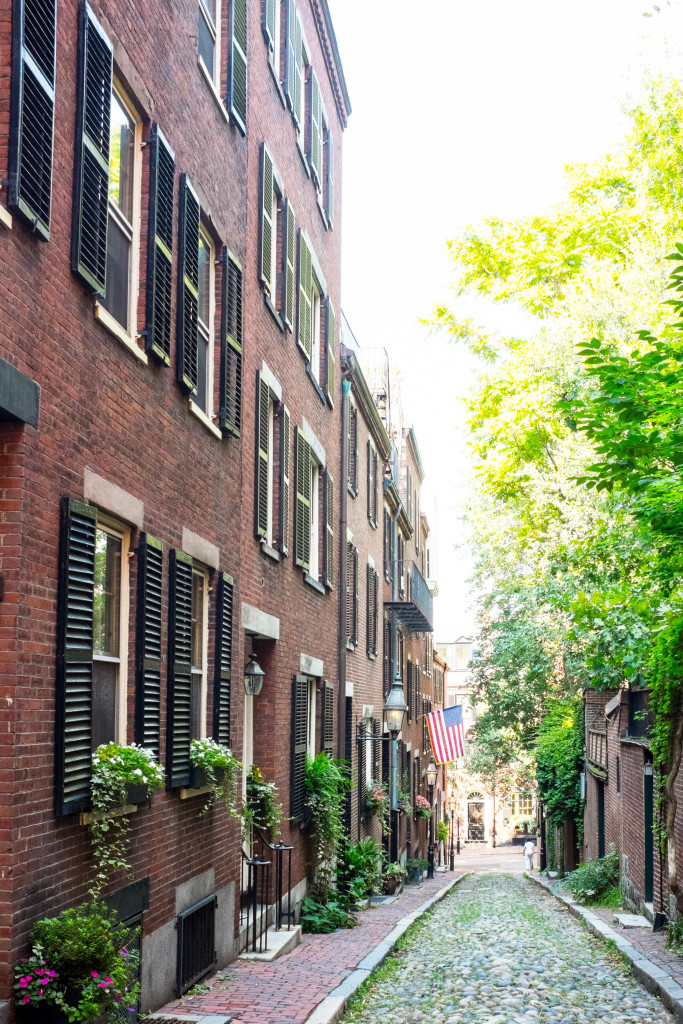 Boston walking tour: a self-guided tour through Boston's historic area.